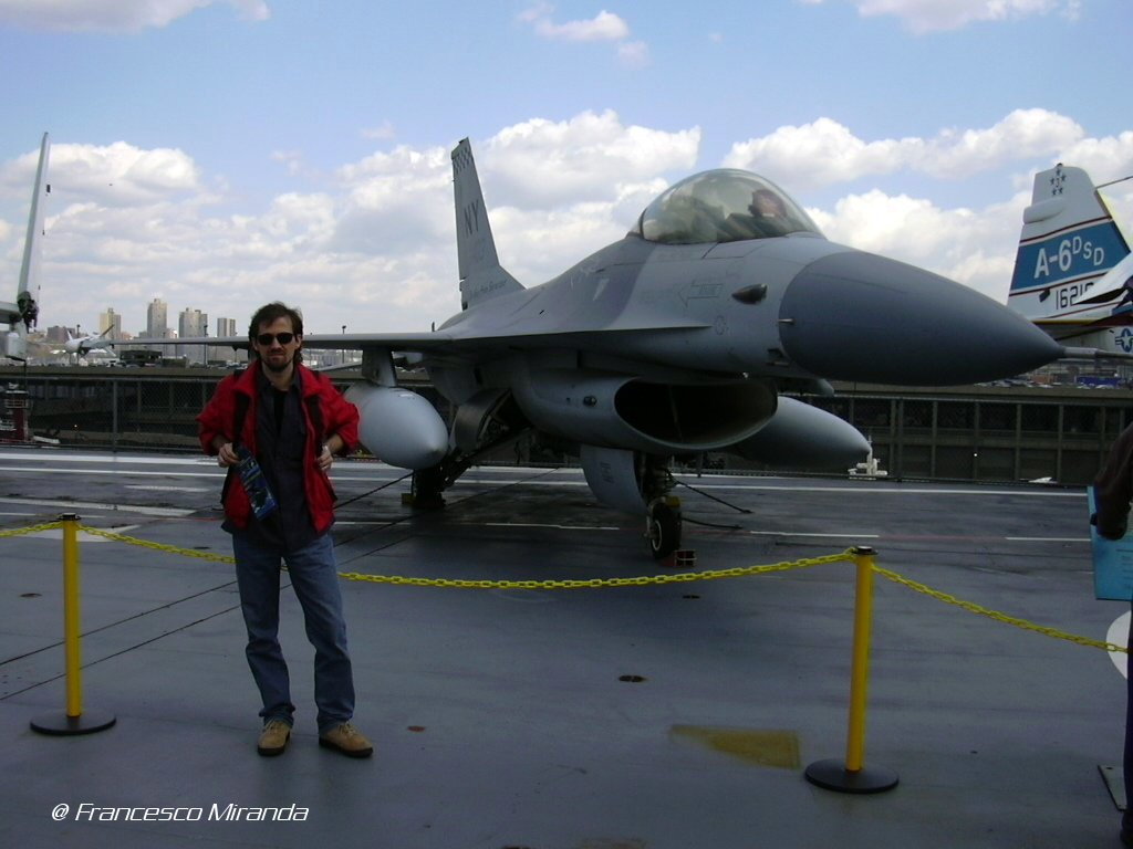 intrepid-museum-f-16