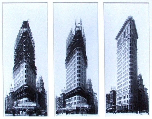 Flatiron_Building_Construction,_New_York_Times_-_Library_of_Congress,_1901-1902_crop